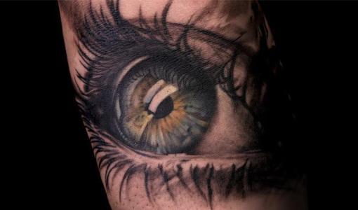 Tatuaje ojo verde