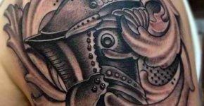 Tatuaje casco medieval
