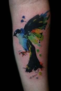 Tatuaje pájaro azúl