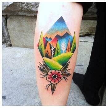 Tatuaje paisaje colorido