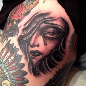 Tatuaje chica llorosa