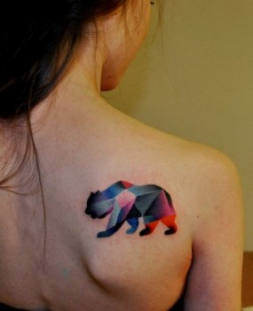 Tatuaje oso de colores
