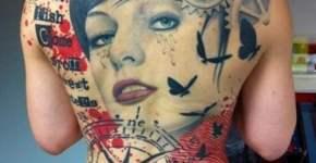 Tatuaje mujer llorosa espalda