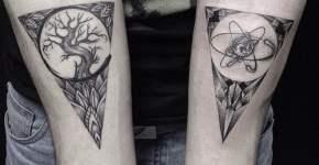 atuajes triángulos en los brazos