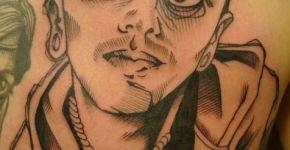 Tatuaje hombre extraño