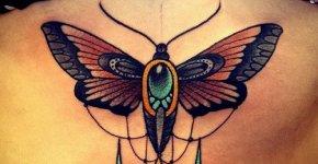 Tatuaje mariposa marrón
