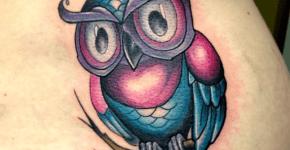 Tatuaje buho azul
