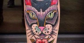 Tatuaje gato en la pierna