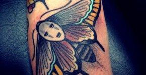 Tatuaje mariposa de colores