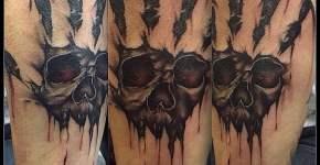 Tatuaje mano terrorífica