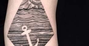 Tatuaje marino romboidal