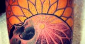 Tatuaje calavera con flor