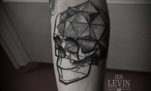 Tatuaje de cráneo poligonal
