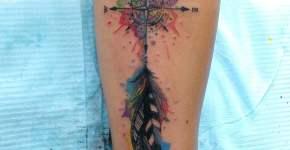 Tatuaje rosa de los vientos de colores