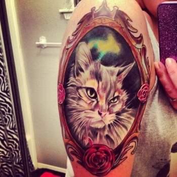 Tatuaje retrato gato gris