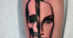 Tatuaje daga en la pierna