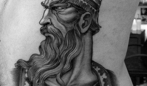 Tatuaje heroe medieval