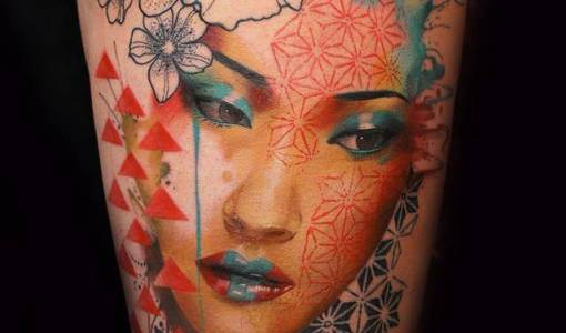 Tatuaje geisha moderna