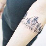 tatuajes en brazos arboles