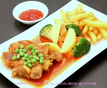 M Cafe by Meesha Sukira – Enjoy Home Cook Food and Batik Fashion