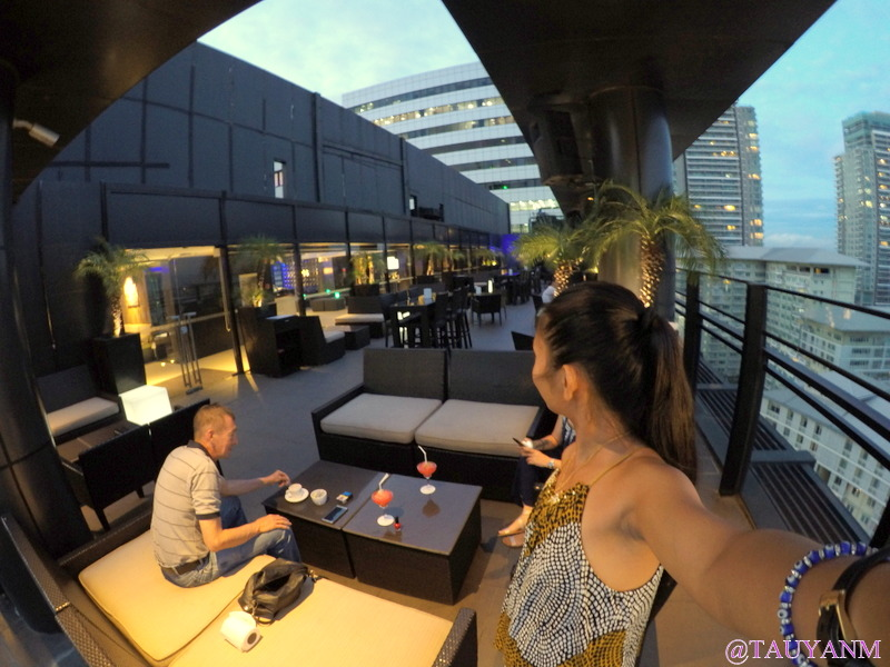 Seda Rooftop Bar BGC