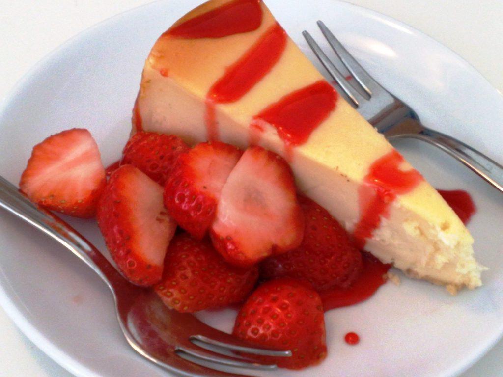 Gina Eat & Drink - cheesecake con fragole