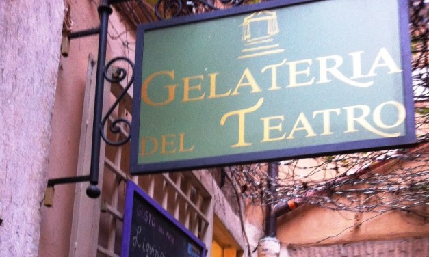 """Gelateria del Teatro – freddi """"gioielli"""" incastonati in Via dei Coronari"""