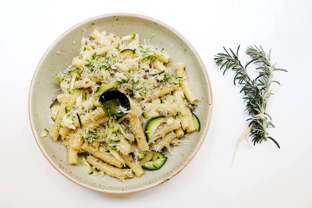 Rosemary - caserecce con zucchine e pesto di basilico
