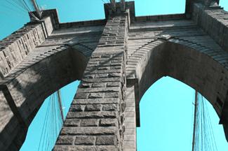 10 Fun Facts about the Brooklyn Bridge