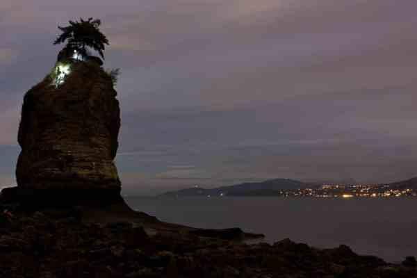 siwash-rock-climbing