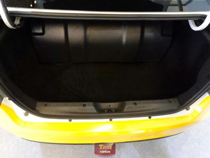 Лада Веста CNG - места в багажнике впритык