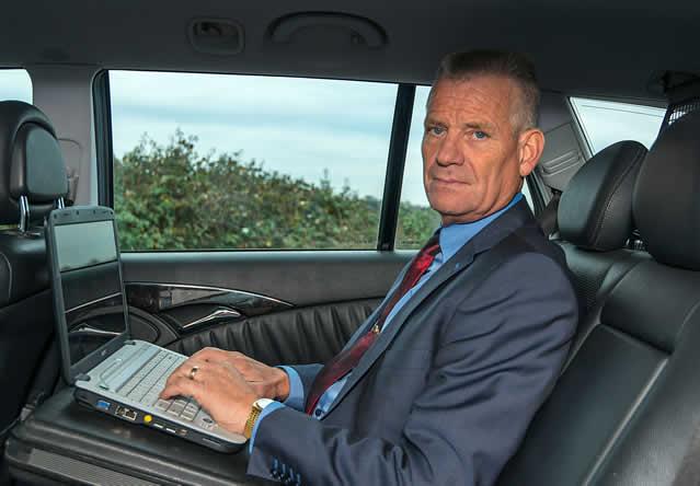 Discreet en snel zakelijk taxi vervoer
