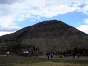 Piramide del Sol Frente