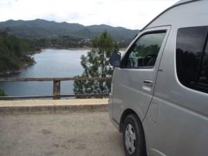Nuestro Equipo de Transporte Frente a Laguna de Tziscao