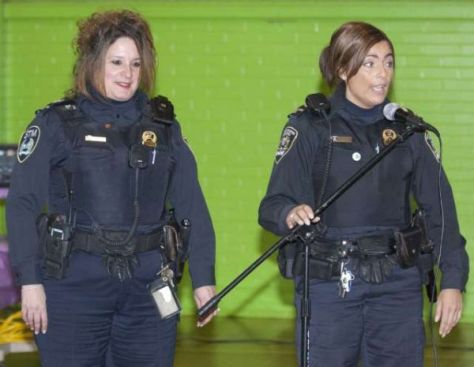 Speaking English to STM employees may have unfortunate consequences. Officer Left may give you a make-over...