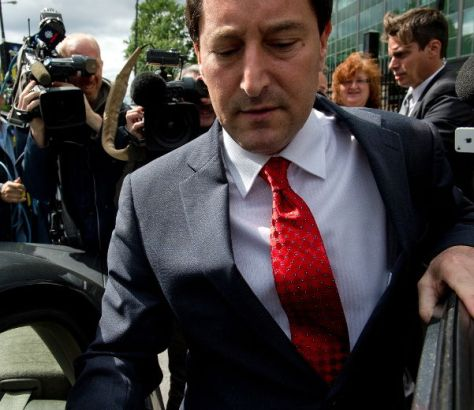 Michael Applebaum, emerging from his ten-hour detention at the Sureté-de-Québec HQ on Fullum. Photo credit to Journal de Montréal.