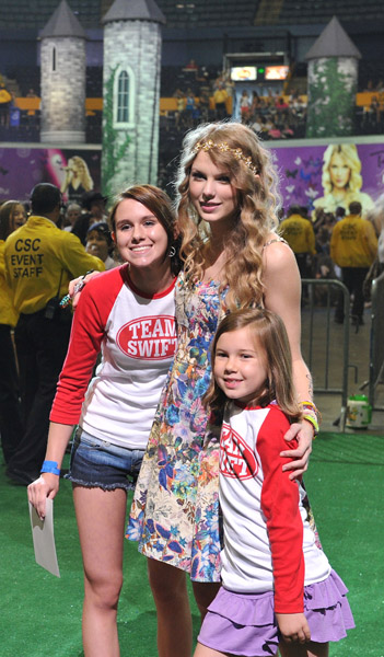 Taylor swifts 13 hour meet greet 2010 taylor swift indonesia taylor swifts 13 hour meet greet 2010 m4hsunfo