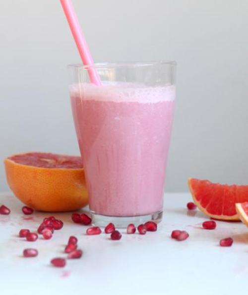 Pomegranate, Pink Grapefruit, and Beet Smoothie
