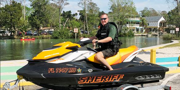 Hernando Sheriff } Marine Unit   Steve Snell