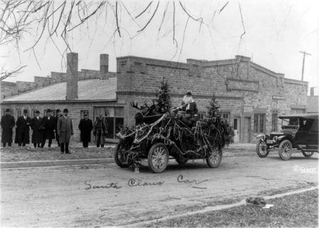 christmas-santa-t-bucket-hot-rod-roadster-34