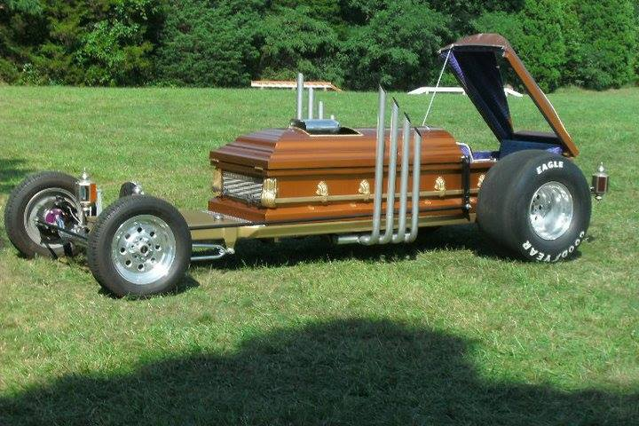 Drag-U-La Coffin Cars Casket Car (34)