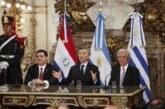 Macri, Cartes y Vázquez presentan candidatura para Mundial 2030