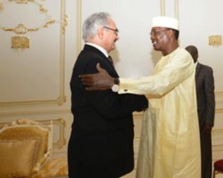 Le Général Khalifa Haftar reçu à N'Djaména: la montée en puissance des rebelles Tchadiens en Libye inquiète le Général Idriss Déby