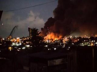 Climat de guerre civile au Gabon: émeutes à Libreville, l'Assemblée nationale incendiée, le QG de l'opposant Jean Ping bombardé