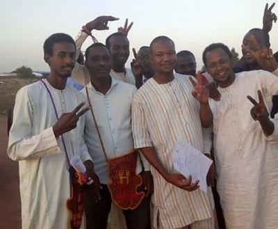 Tchad: aussitôt après sa sortie de la Cité des Hommes (prison), le jeune activiste Mahamat Ismaël Youssouf reprend son poste sur Facebook