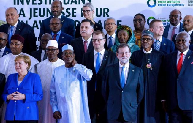 Sommet UA-UE d'Abidjan: ce qui se passe en Libye, c'est de l'esclavage ou du «racisme» ? Passe d'armes entre les Présidents Idriss Déby et Macky Sall