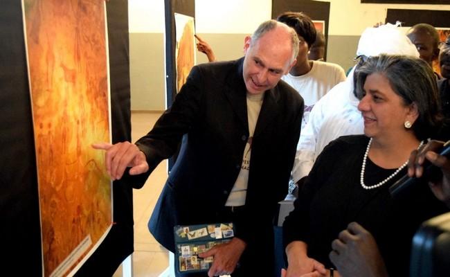 Vernissage de l'exposition d'arts rupestres du Tchad: Borkou, Ennedi et Tibesti (BET) sous les projecteurs