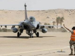 Manifestation à Paris contre les frappes aériennes françaises au Tchad