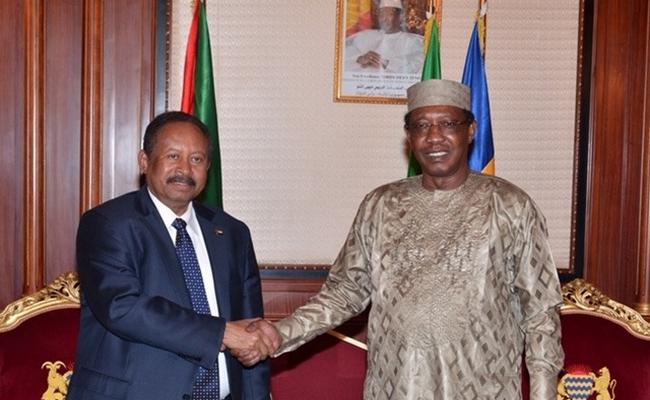 Tchad: le Président Déby a-t-il décliné l'invitation de Macron en raison de la visite du Premier ministre soudanais ?