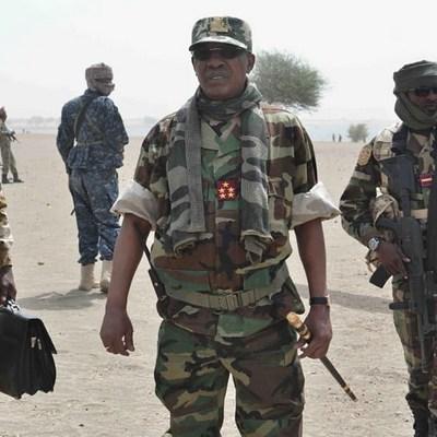 «Itnotisation», nominations tous azimuts, promotions abusives, banalisation des grades militaires: comment galvaniser les troupes d'une armée tchadienne en pleine déconfiture
